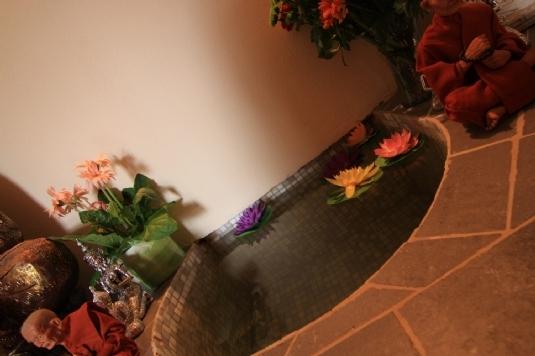 Empfangsbereich des Mandarin Spa Uden, Niederlande.